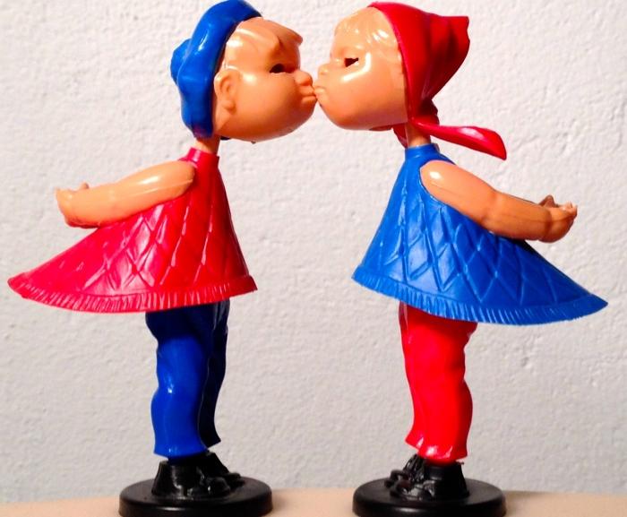 Vorsichtige Annäherung zwischen den Geschlechtern. Foto: Julia Lutzeyer